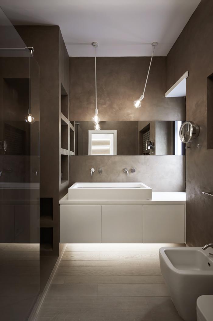 13_master-bathroom